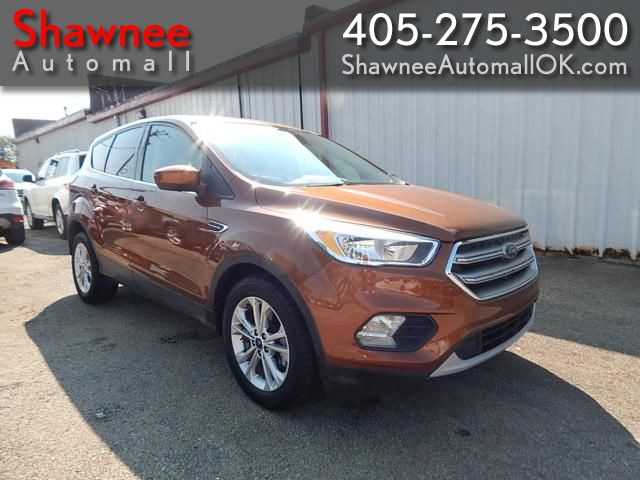 Pre-Owned 2017 FORD ESCAPE SE SE