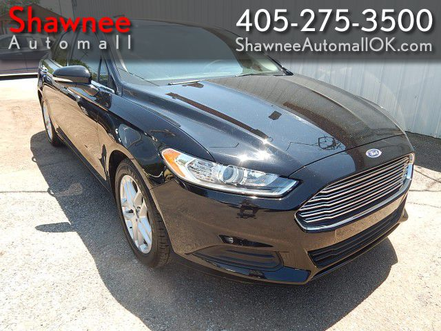 Pre-Owned 2016 FORD FUSION SE SE